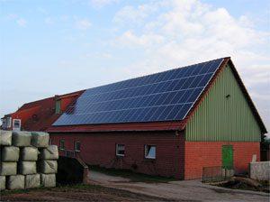 16,5 kWp netzeinspeisende solare Stromanlage Einbau: 2005 in Honigsee