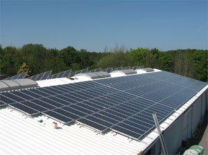 63,5 kWp netzeinspeisende solare Stromanlage Einbau: 2007 in Kiel