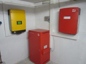 8.0 kWh Speicheranlage mit Bleispeicher Installation 2013 in Felde